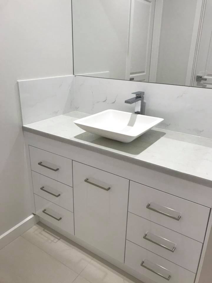 vanity-15